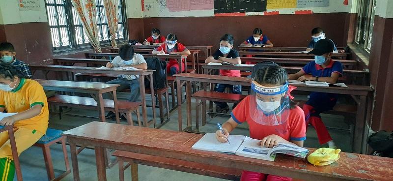 कोरोना तीव्र रुपमा बढ्न थालेपछि दिल्लीका सबै विद्यालय बन्द