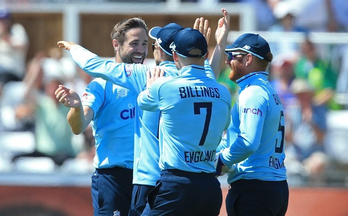 पहिलो एकदिवसीय क्रिकेटमा इंग्ल्याण्डले श्रीलंकालाई हरायो